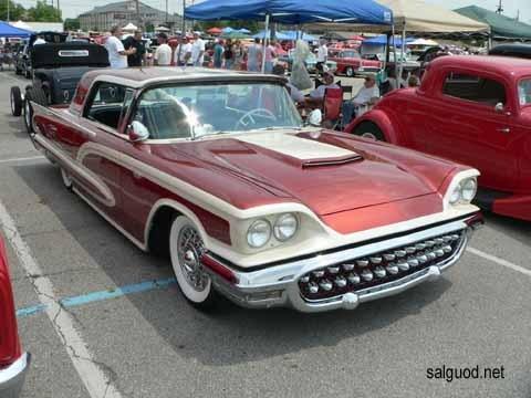 1960_Ford_Thunderbird_A.jpg