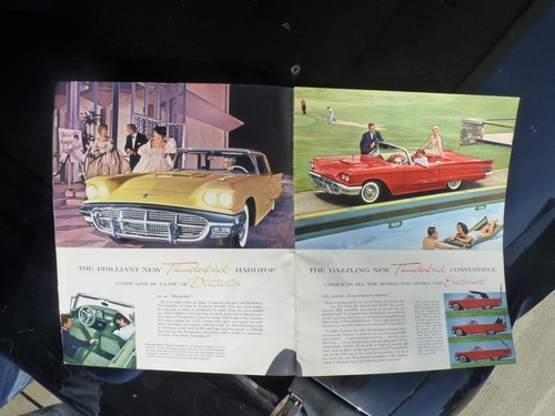 1960 Thunderbird Brochure 3-4
